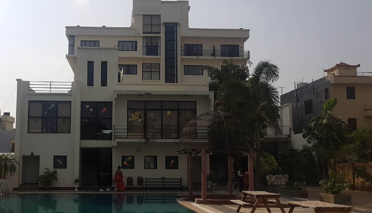 Club Denovo Hotel
