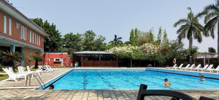 Dreamland Gold Resort